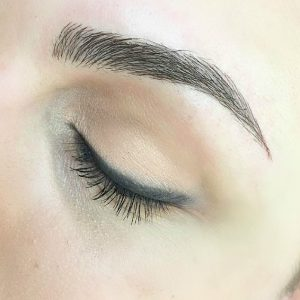 3D-EYEBROW-EMBROIDERY-Tattooed-My-Eyebrows-microbladig-academy-vjosa-makeup-prishtina-028